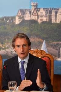 El alcalde pide a PSOE y PRC que