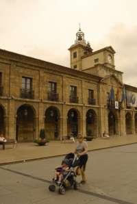 La comisión de Hacienda aprueba por unanimidad reducir las atribuciones y las dietas de los concejales