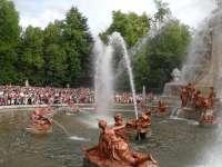 La judiada, los juegos de agua, la música y los toros centran un año más las Fiestas de San Luis de La Granja (Segovia)