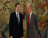 Rajoy analiza con el Rey la reforma de la ayuda de los 400 euros a parados de larga duración