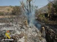 Imputan a un vecino de O Barco (Ourense) un incendio forestal causado por un tractor usado para desbroces