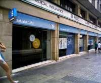 SabadellCAM y sindicatos negociarán a partir de la próxima semana el ERE que alcanzaría a más de 2.000 empleados