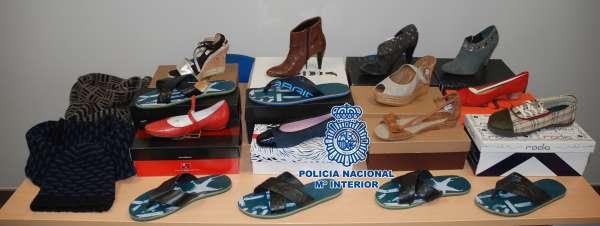 Detenidas cuatro personas por comprar 16 cajas de zapatos nuevos robados