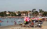 Los puestos de vigilancia izan la bandera amarilla en dos playas de La Unión