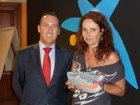 Una canaria, premiada con unas botas de Cristiano Ronaldo por participar en una campaña humanitaria de la Caixa