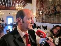 Louzán recuerda que le corresponde a Feijóo la convocatoria de elecciones y destaca que el PP tiene una mayoría