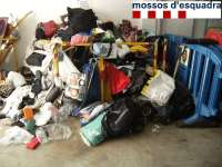 Decomisada una tonelada de material para la venta ilegal en Roses