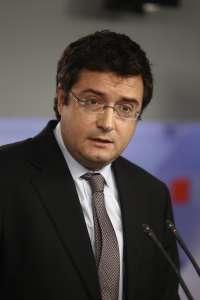 Óscar López (PSOE) dice que Rajoy gobierna