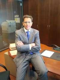 Ernesto Navarrete logra el título de doctor por la UR con tesis sobre las empresas familiares