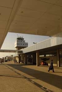 Un total de 25.640 pasajeros utilizarán el Aeropuerto de Asturias desde este viernes hasta el próximo lunes