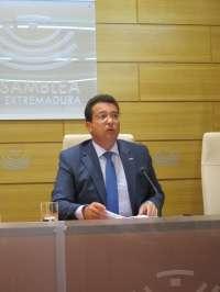 El presidente del parlamento extremeño insta a que se agilicen los trabajos de la comisión de investigación de Feval