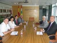 Arruga y Capellán se reúnen con el rector de la UR para diseñar el segundo plan de financiación plurianual del campus