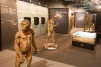 La Plaza Mayor de Cáceres acogerá una muestra de La Caixa sobre los orígenes y la evolución humana