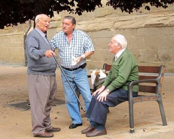 El Gobierno subirá un 1% las pensiones en 2013 y mantiene la compensación por el IPC