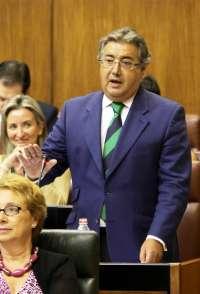 Zoido pide a Griñán que convoque una conferencia de alcaldes y