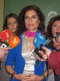 Montero critica que el Sindicato Médico no se manifieste contra el Gobierno por ampliar horarios y sí contra la Junta