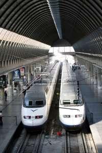 Más de 39.000 viajeros han utilizado los trenes AVE Sevilla-Valencia en sus primeros tres meses de servicio