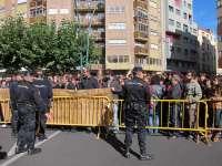 Un centenar de estudiantes protesta contra la subida de tasas universitarias y por el cierre de la Casa del Estudiante