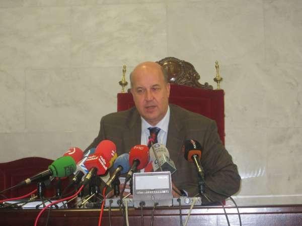 Fiscalía vasca pide a los miembros de ETA que se pongan a disposición de la Justicia tras disolverse y entregar armas