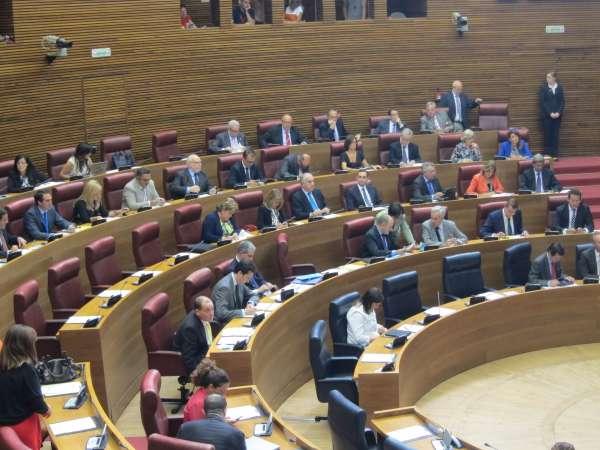 Los grupos rompen el acuerdo para elegir a la directora general de RTVV y a los consejeros de oposición