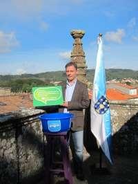 Bascuas (CXG) acude al mismo escenario en que Feijóo firmó su contrato con Galicia para denunciar el