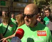Sindicatos se concentran en Badajoz contra recortes y alertan sobre un