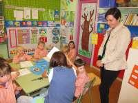 Moriyón compromete su apoyo a un proyecto escolar de las cinco escuelas específicas de Infantil de la ciudad
