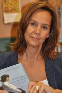 María Dueñas firmará este sábado ejemplares en la III Feria Outlet de Cartagena