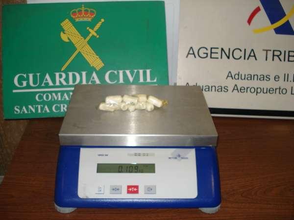 Detenida en Los Rodeos (Tenerife) una mujer con 109 gramos de cocaína en su cuerpo