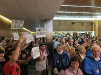 Estudiantes irrumpen en la apertura de curso de la UPV para exigir el fin de los recortes