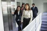 La Junta Electoral amonesta a la conselleira Mato por una visita y le amenaza con incoar un expediente sancionador