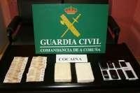 Detenidos cuatro hombres con dos kilos de cocaína en la AP-9 en el área de Santiago de Compostela