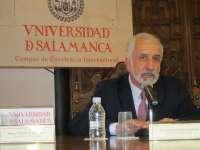 El académico Salvador Gutiérrez cree que la enseñanza del español puede abanderar la proyección de la marca España