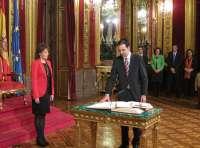 Íñigo Alli toma posesión como consejero de Políticas Sociales y participa en su primera sesión de Gobierno