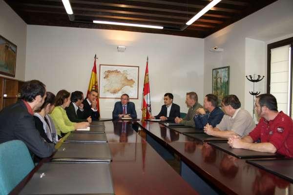 Técnicos canadienses visitan Segovia para conocer el sector micológico de CyL, su regulación y aprovechamiento