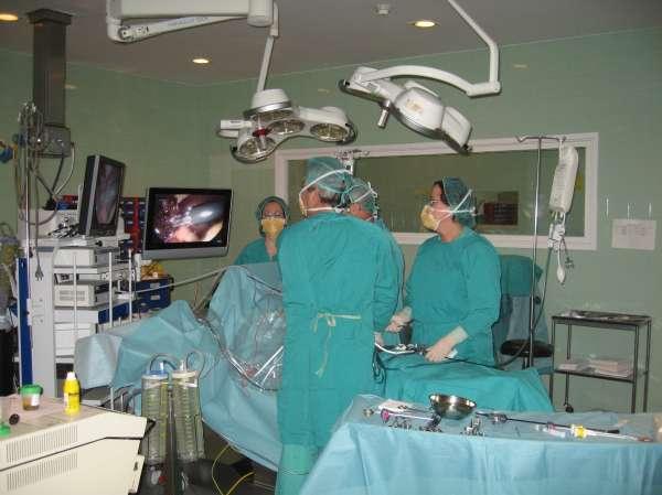 El 75% de las intervenciones de cirugía general del Infanta Elena se realizan ya por laparoscopia