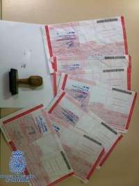 Detenida una pareja acusada de falsificar recetas tras robar un sello y un recetario