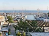 El jeque no paga la multa y alimenta las dudas sobre la ampliación del puerto de La Bajadilla