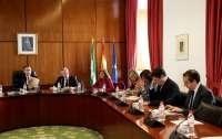 El próximo Pleno del Parlamento debate el decreto ley de medidas urgentes en materia urbanística y protección de litoral