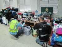 A disposición judicial 14 personas por venta de prendas falsificadas en el mercadillo de San Fernando
