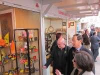 La Muestra de Artesanía de Navidad de la Región abre sus puertas en Alfonso X con productos alimenticios como novedad
