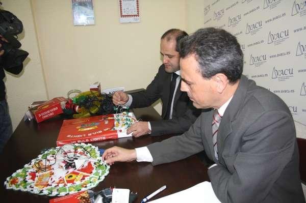 AVACU advierte de las deficiencias en las guirnaldas luminosas navideñas que pueden afectar