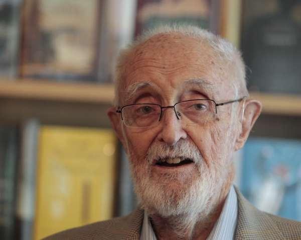 El Instituto Inauco concede su Premio 'Gigante del Espíritu' al escritor José Luis Sampedro