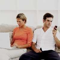 Dos de cada tres andaluces corren riesgo de abusar de las nuevas tecnologías, según una encuesta de Eroski Consumer