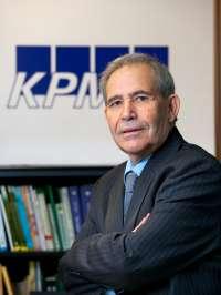 KPMG Abogados incorpora al catedrático de la US y exconsejero Ángel López como asesor para su área legal