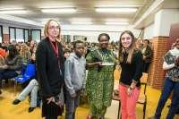 Mama Tunza mantiene un encuentro con alumnos del IES Zizur Mayor y les insiste en la importancia de la educación