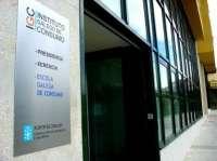 Doce afectados por las participaciones preferentes inician un encierro indefinido en las oficinas de Consumo en Santiago