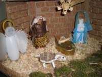 Tres vecinas de Calera de León ganan el I Concurso de Belenes de material de desecho