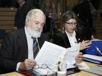 Cañete espera de Bruselas una propuesta acorde con el informe UE para flexibilizar liberalización del viñedo