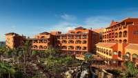 Cabildo de Fuerteventura y los hoteleros de la isla trabajan para alcanzar los 2,3 millones de turistas en 2013